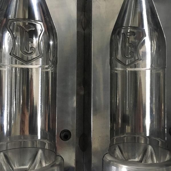 Пресс-форма 1л-1,5 л с проливами для охлаждения